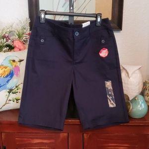 ST. JOHN'S Bay Shorts Size: 8